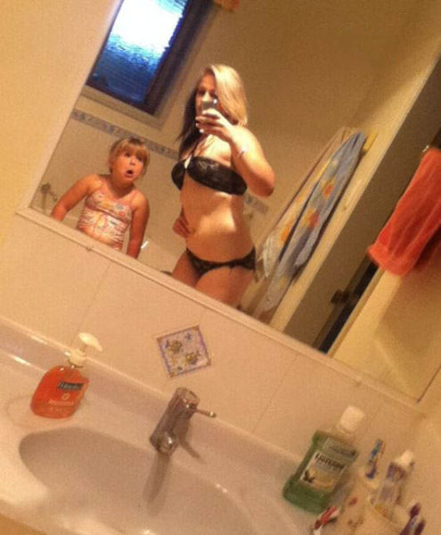 mom_selfies_from_some_of_the_worst_moms_ever_640_03